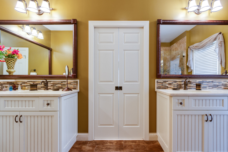 Mirror Trim by Moen Mirrorscapes