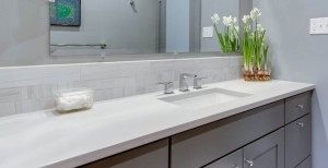 6 design ideas to clear off your Bathroom Countertops