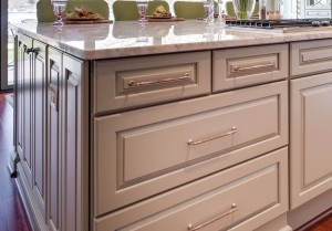 Kitchen Storage Design Tips: Deep Drawers