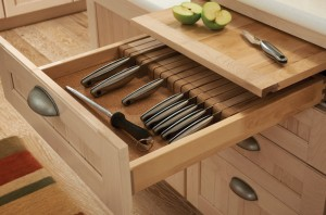 Pull Out Cutting Board and Knife Organizer
