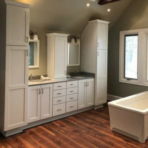 How to Create Effective Storage in a Small Bathroom